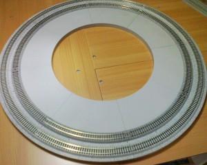 ジオラマレール、複線コーナー 90度×4の円