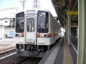 JR東海キハ11伊勢奥津行き