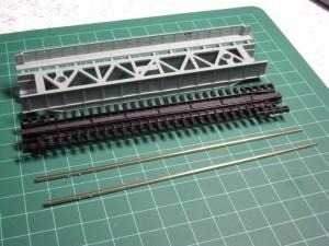 KATOデッキガーダー鉄橋のレール引抜き