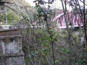 愛岐トンネル群、市民公開、6号トンネルから橋脚跡を望む
