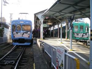 新忍者列車200系と忍者列車ピンク860系