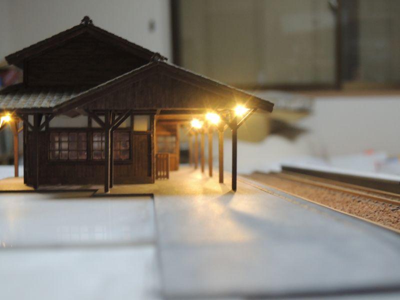 嘉例川駅のホーム電飾テスト