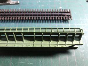 鉄橋、再塗装後