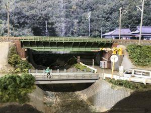 背景版付きの中央西線高田川橋梁モジュール